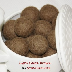 Felt Balls 43 light cocoa...