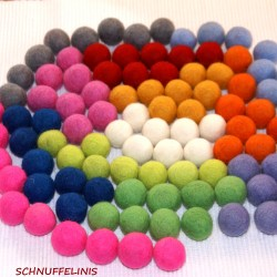 Felt balls color mix