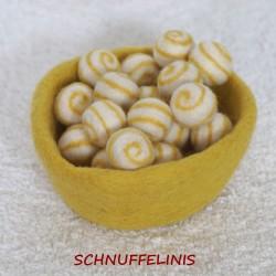 Filzkugeln mit Spiralen 04...