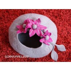Katzen Filzhöhle mit Blumen
