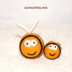 Felted bees with wings
