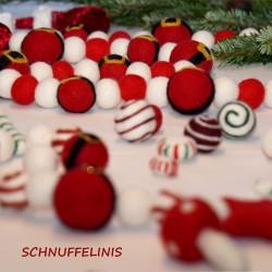 Christmas garland Santas