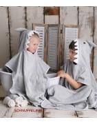 Badeponcho für Kinder als lustiger Hai